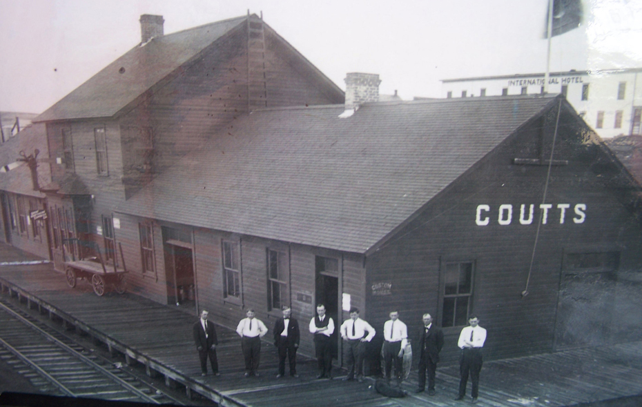 06.jpg - Station at Coutts / Sweetgrass - 1912