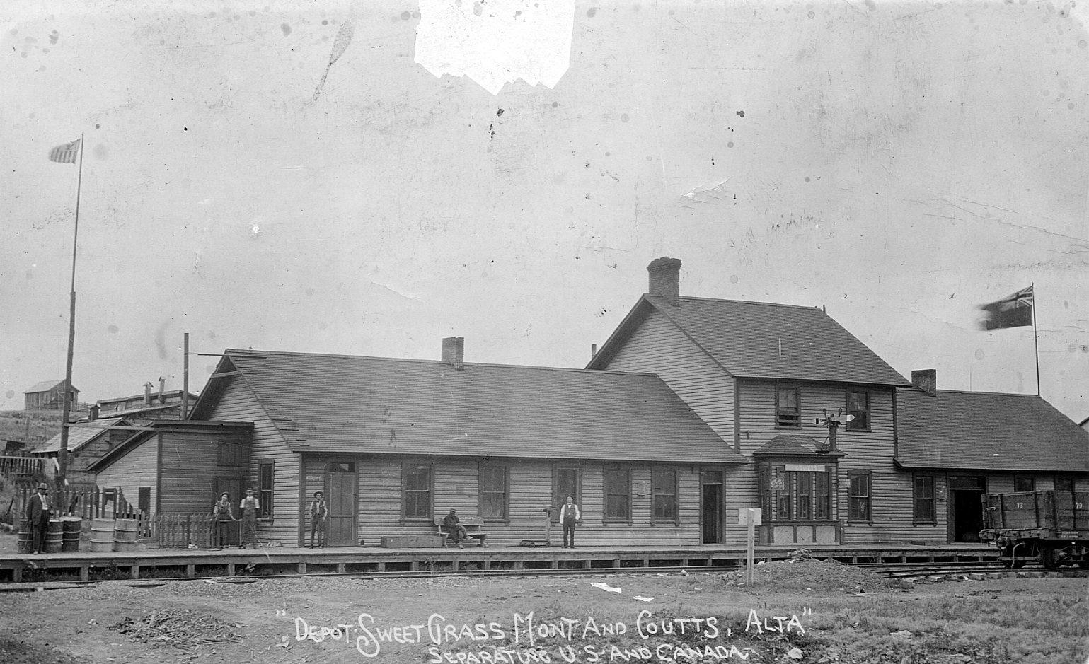 P19760237031jpg.jpg - P19760237031 – Ab. Railway & Irrigation Co. Station at Coutts / Sweetgrass - 1908 (Galt Museum